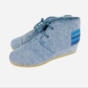 NWOB! Toms light blue denim wedge booties boot